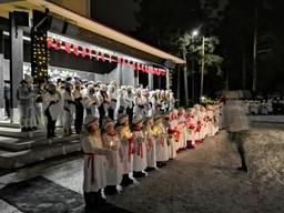 joulujuhla Paavolan torilla 2019 teemana kansainvälisyys.jpg