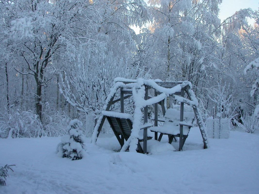 talvi_sveistola_lunta_paljon_2.jpg