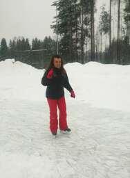 Ice skating - Carme-min.jpg