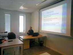Lecture programming-min.jpg