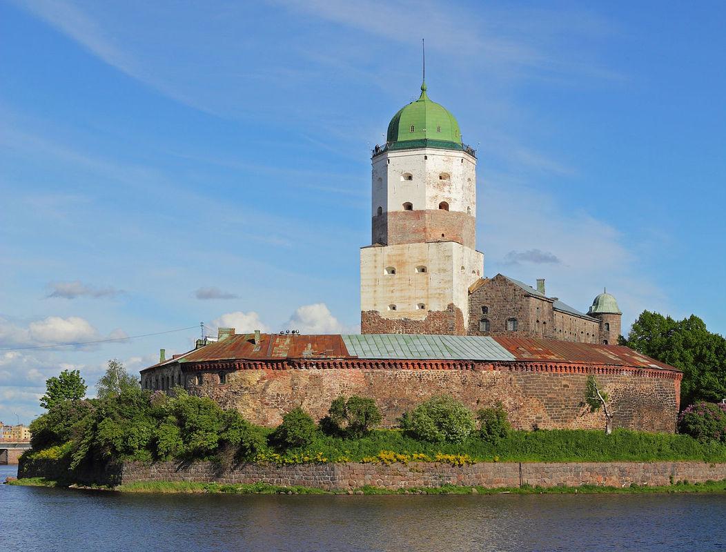 1280px-Vyborg_06-2012_Castle_06.jpg