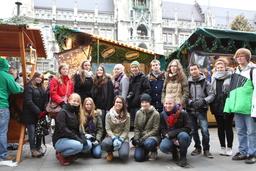 Koko meidän porukka Marienplatzilla.JPG