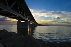 bridge-bracket-753667__180.jpg