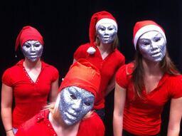 tanssijoiden joulunäytös 2013.jpg