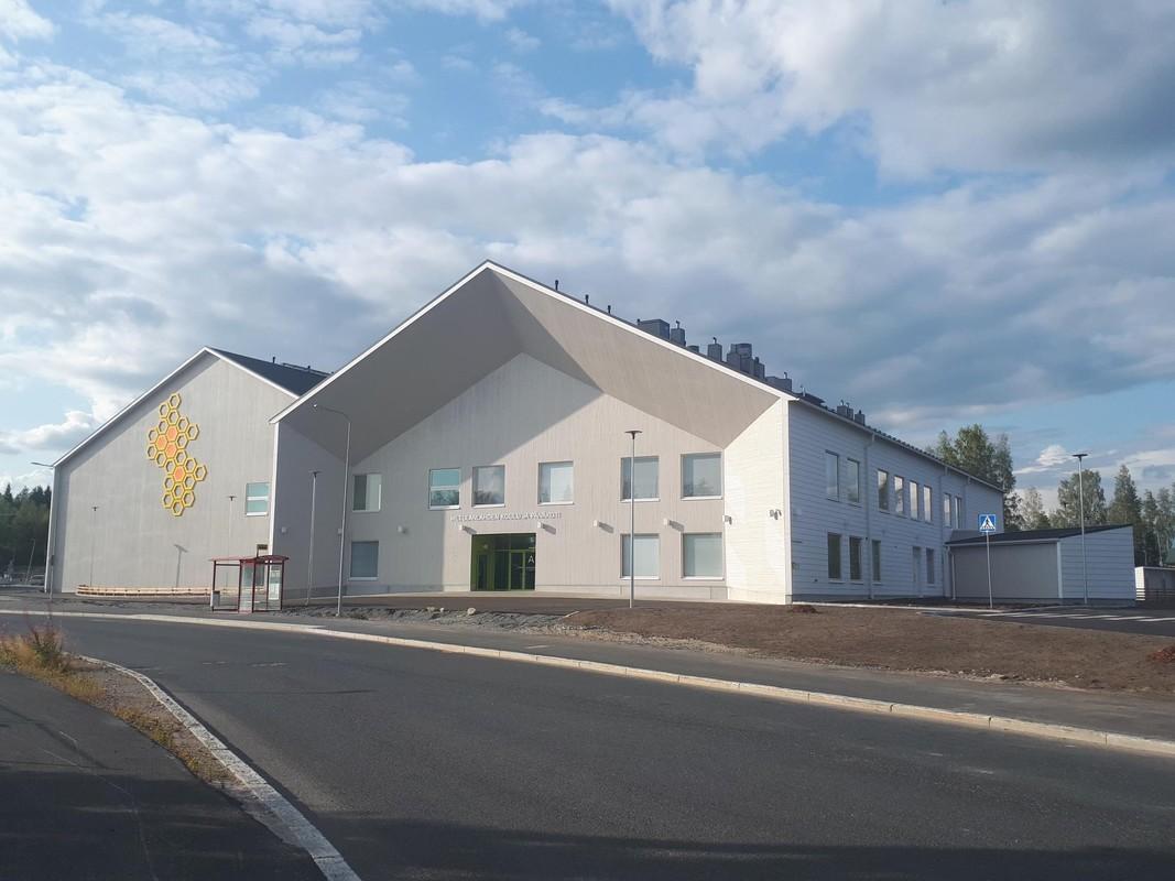 Hiltulanlahden uusi koulu ja päiväkoti.jpg