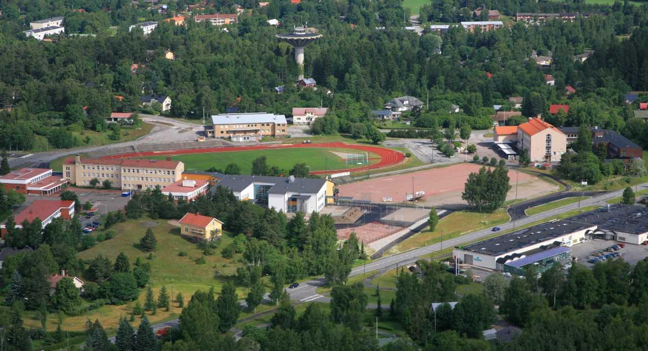 Urheilukenttä ja koulut 6 mt.jpg