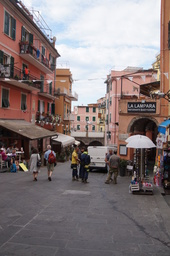 Cinque Terre Riomaggioren keskusta.JPG