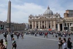 Rooma Il Vaticano päärakennus ja oikea puoli 2.JPG