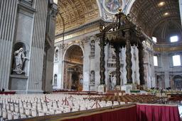 Rooma San Pietron basilikan keskiosasta.JPG