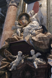 Rooma San Pietron basilikan veistoksia 3.JPG