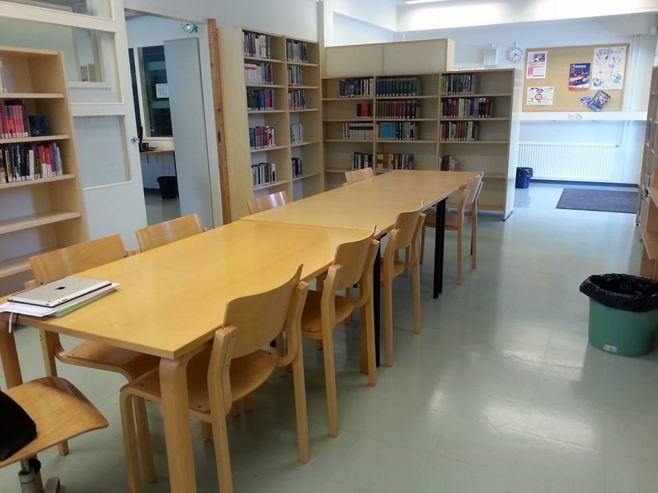 kirjaston ryhmähuone.jpg