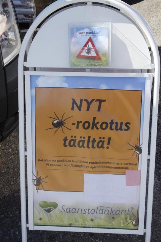 punkki_puutiainen_bussi_nauvo_kyltti_sveistola_2014_1200_p.jpg