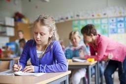 lena_granefelt-girl_in_the_classroom-811_p.jpg