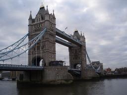 britannia_lontoo_towerin_silta_sveistola.JPG