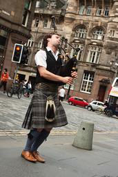 britannia_sakkipillinsoittaja_skotlanti_Verdateo_shutterstock_80104102.jpg