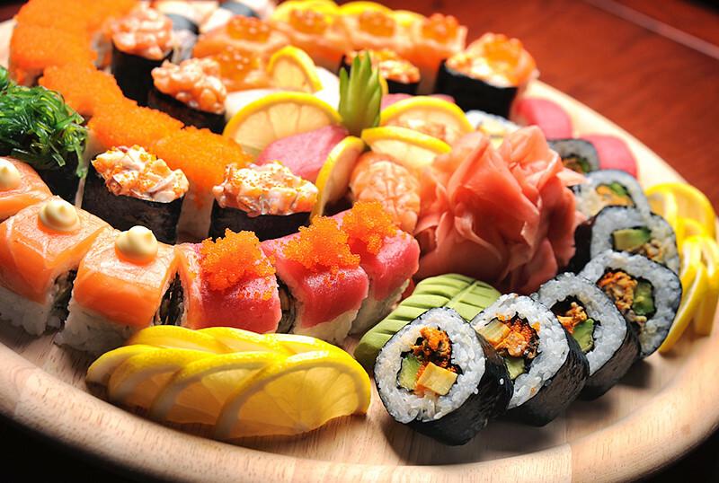 sushi_shutterstock_93406279.jpg
